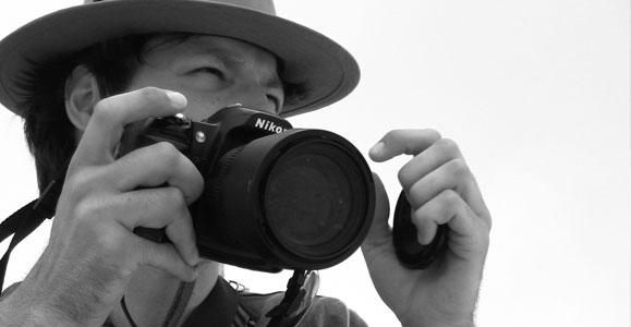 ARTIST & PHOTOGRAPHER